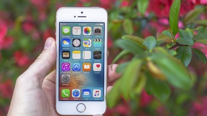 """Đánh giá chi tiết iPhone SE: """"quái vật tý hon"""""""