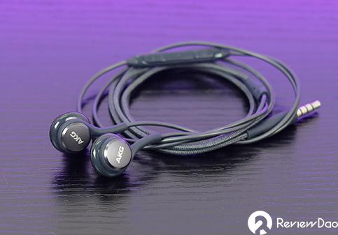 Đánh giá tai nghe AKG Galaxy S8: chiếc tai nghe tặng kèm tốt nhất của Samsung