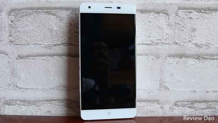 Trên tay & cảm nhận nhanh Titan Q8s: pin 6050mAh giá dưới 6 triệu đồng