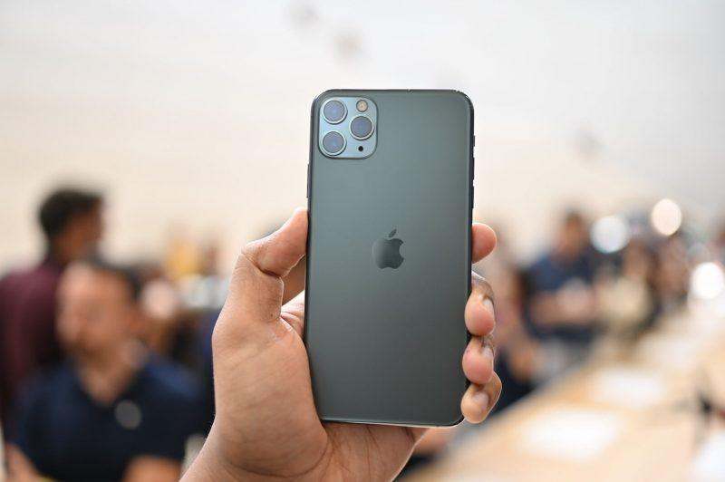 iPhone 11 Pro sẽ có mức giá khởi điểm là 999 USD (khoảng 23 triệu đồng) cho phiên bản 64GB