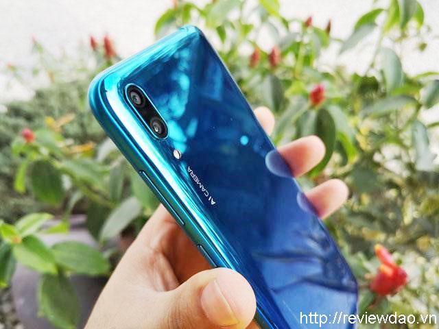 Điện thoại dưới 3 triệu giá rẻ Huawei Y7 Pro Huawei Y7 Pro được coi là siêu phẩm trong phân khúc điện thoại giá rẻ. Máy được trang bị màn hình giọt nước thường thượng, kích thước máy 6.26 inch