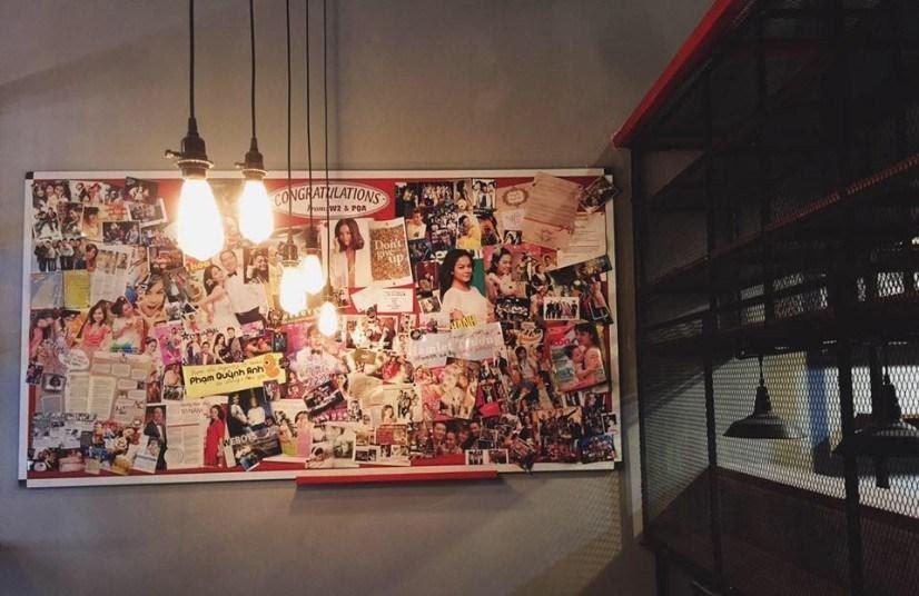 Quán cafe WE's Corner Coffee quận 1 quán như một bảo tàng được thu nhỏ và được trưng bày mọi thứ liên quan đến WePro