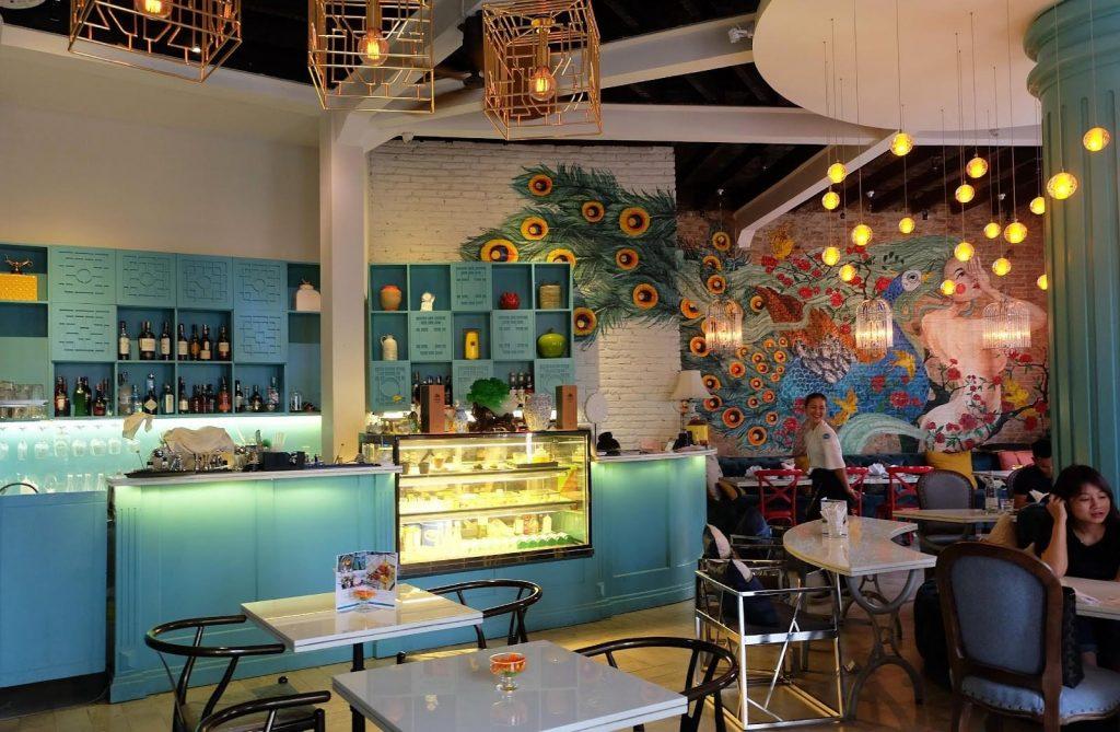 đến Nu Bistro quán café là một thiếu sót quá lớn đấy nhé. Quán tọa lại tại Tầng 2, 25 Hồ Tùng Mậu, Quận 1