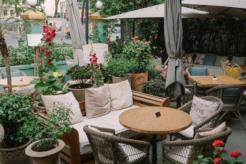 Quán Cafe Runam D'or quận 1 cảm nhận được vẻ đẹp rất lãng mạn và tinh tế ở đây nhé