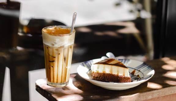 Quán Cafe Nấp quận 1 Saigon được thiết kế theo mô hình cà phê homestay được decor khá độc đáo
