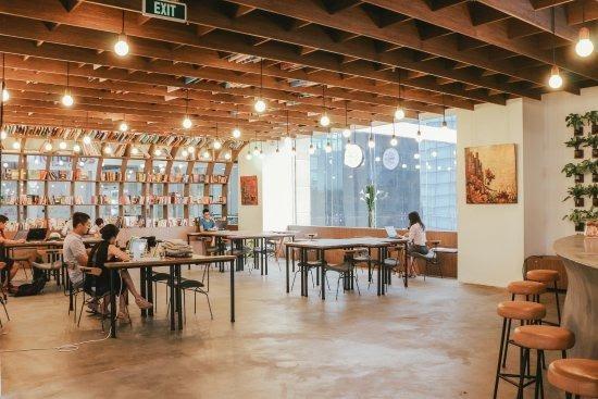 Work Café còn có tên khác là Nest by AIA, đây là một trong những quán cà phê đẹp nhất ở Hà Nội