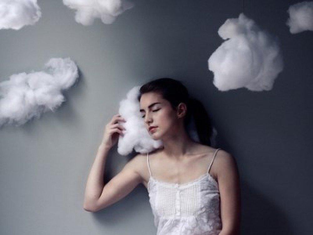 Ngủ mơ thấy người thân là điềm lành hay dữ?